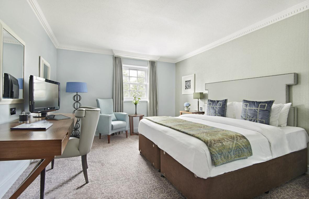 QHotels - Mottram Hall Bedroom